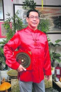 陈清文师父表示,无论是穿着、饰品还是用品选择马的饰物就可轻易镇压孤辰星的煞气。