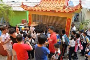 参观蛇房宝圣宫 Boh Seng Kiong, Sungai Dalam 42940Pulau Ketam, Klang. 电话: 012-2645000 林建隆