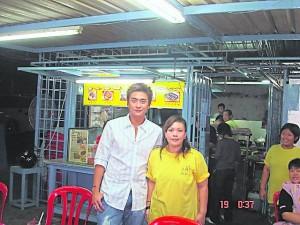 香港著名演员黄宗泽也来光顾。