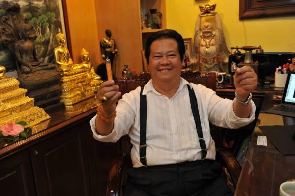 怡保国际真实风水馆风水大师谭福祥,非常高兴其财神三宝改善了许多人的困境,财源滚滚来。