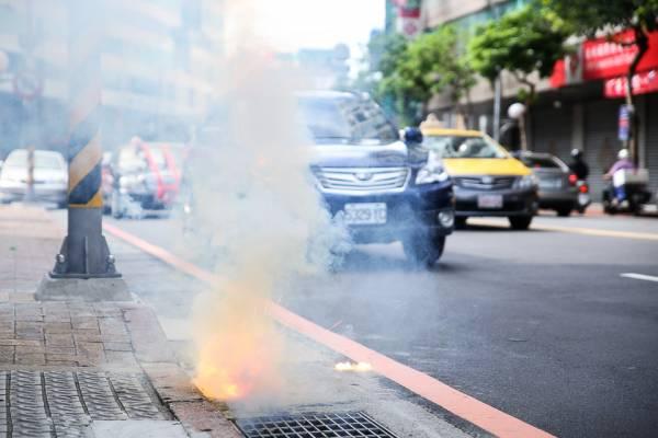 如果汽车被囍炮弹到,别以为好事降临,其实是冲撞到红煞。