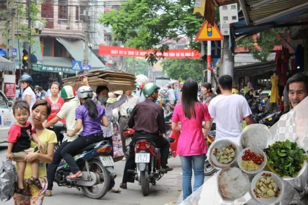 走在越南的街头上,发现不管是男女老少,身材都很苗条,鲜少看到肥人,而秘密就在他们的食物里。