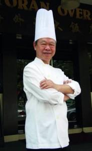 海外天饮食业集团董事经理 兼创办人俞植昌献菜