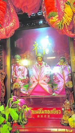 泰国南部北大年府的林姑娘庙,香火特别旺盛,而且神灵显赫,有求必应。