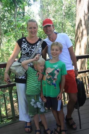 来自荷兰游客茉莉一家。