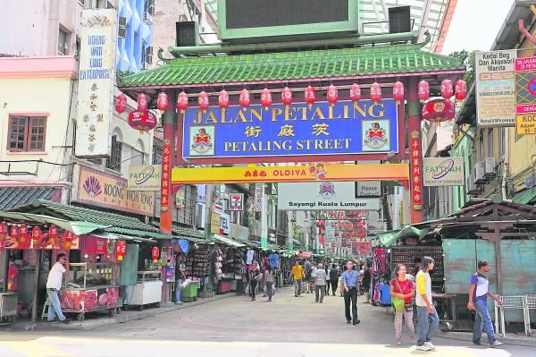 茨厂街是华人最大的市集,但经过几十年后,已变得面目全非。