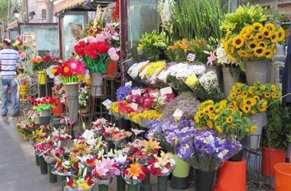 拜神一定要用鲜花,可别用假花供神。
