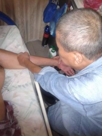 郑荣和经过Uncle Johnny Hoo的治疗,现在病情好多了。