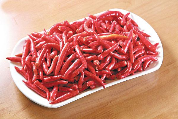 指天椒可以促进荷尔蒙分泌,加速新陈代谢以致燃烧体内脂肪。