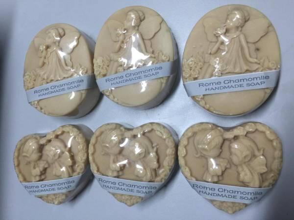"""一般手工皂比较""""朴实"""",因此妃儿会使用模型为肥皂增添造型。"""
