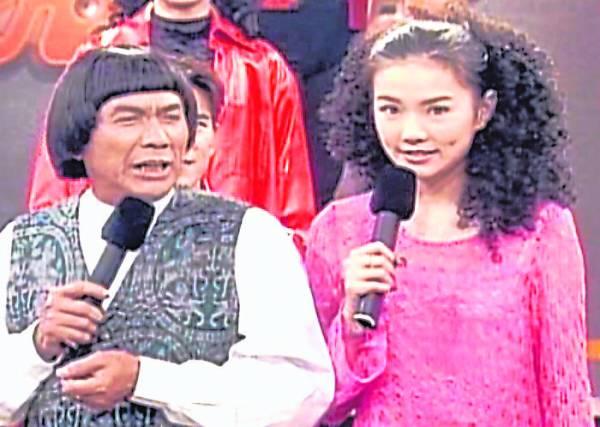 :谢金燕初出道时,父亲猪哥亮落力提拔,今日女儿的不相认,让他崩溃。
