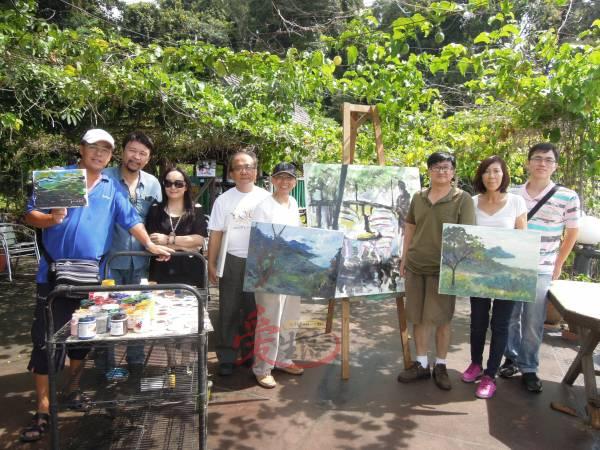 """年前在浮罗山背主办""""阿古露茜国际艺术村""""时,吸引了许多海内外的画家到这里作画交流。"""