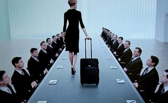 很多女强人宁愿选择事业,也不选择结婚生子。