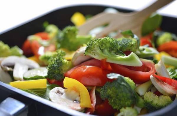 农历七月中的初一与十五吃素,可帮助消灾解难。