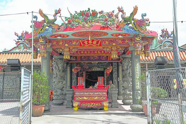 檺林宫以中国传统庙宇形式建成,不管是雕梁画栋屋檐、对联、神龛等等,处处都显现出极高的中华古典艺术成就。