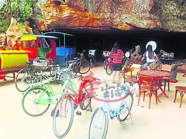 旅人可以在这里租脚踏车绕村,亦可尝试拉人力车,别有一番风味!