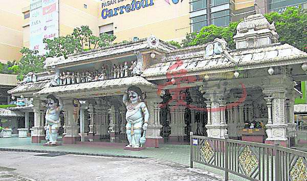 千万别小看这座超过百年历史的兴都教庙,它可是吉隆坡香火最鼎盛的兴都教庙宇之一。 谷中城美佳广场 75, Lingkaran Syed Putra, Mid Valley City, 58000 Kuala Lumpur, Wilayah Persekutuan Kuala Lumpur 营业时间:10am-10pm GPS导航:3.117365, 101.677835