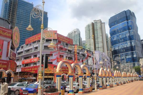 小印度 十五碑小印度 Brickfields, Kuala Lumpur. 营业时间:全天候开放 GPS导航:3.129261, 101.684168