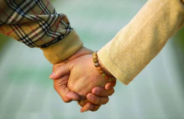 兰姐表示,姐姐一直阻拦弟弟的婚姻,也相等于阻碍着自己的婚姻,放手让弟弟结婚,自己也能早日寻得如意郎君。