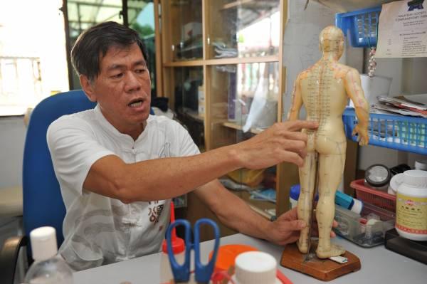 郭医师十多岁就开始学接骨,经验非常丰富。