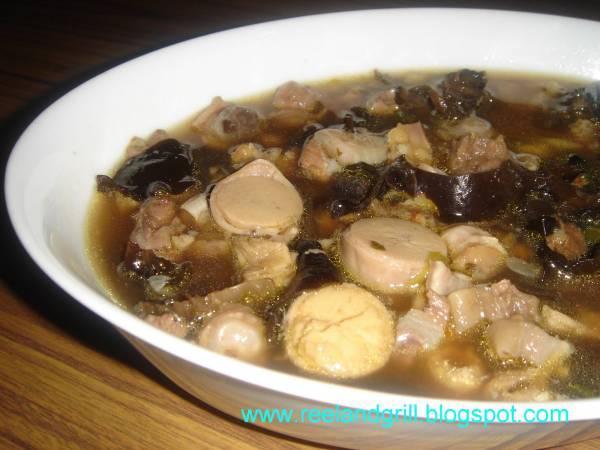 为了重振雄风,这碗用牛鞭、牛睾丸煮成的壮阳汤,在东南亚非常流行。