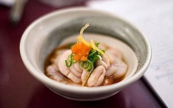 """日本男人喜欢在冬天喝鳕鱼精囊汤,来提高""""耐力""""。"""