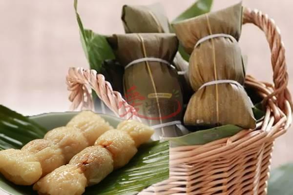 对于马来西亚人来说,裹粽一定是在端午节。但对于中国广西人来说,新年更要裹粽、吃粽、送粽给亲友。因为,粽子被广西人视为吉祥物,是逢年过节的送礼佳品。)