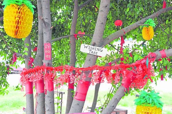 马六甲这棵受神明指示打造的许愿树,不仅深受当地人欢迎,也为成为马六甲旅游新景点。