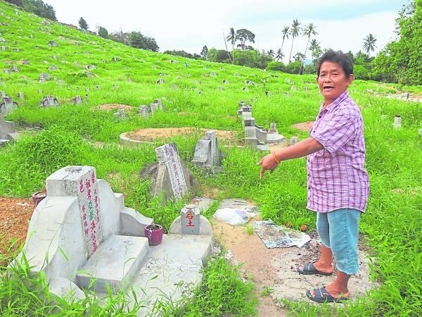 踏遍义山清理无数坟墓的陈亚雅,深信生平不做亏心事,就算真的『见鬼』,也无须害怕受到伤害。