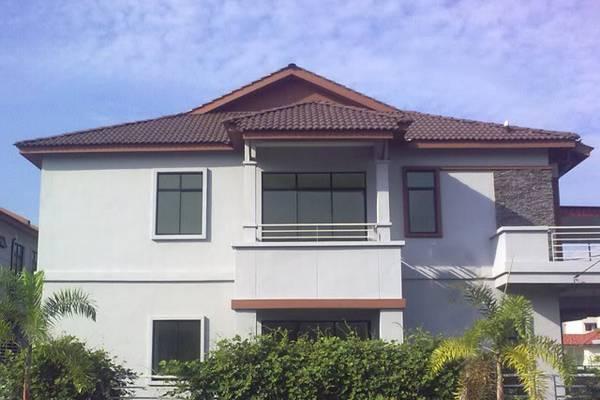 屋子外面有一个三角形的屋顶,会让煞气冲进屋。