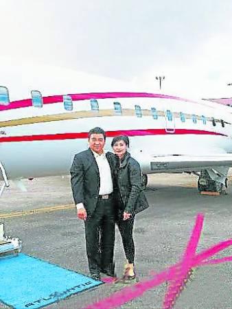这架就是叶玉卿的9人座私人飞机「N168WU」,取「胡氏一路发」的好兆头。