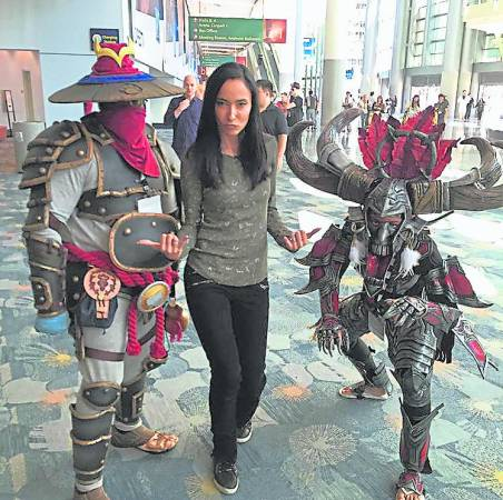 吴彦祖爱妻Lisa.S 是超级魔兽玩家,非常兴奋老公能参与演出此剧。