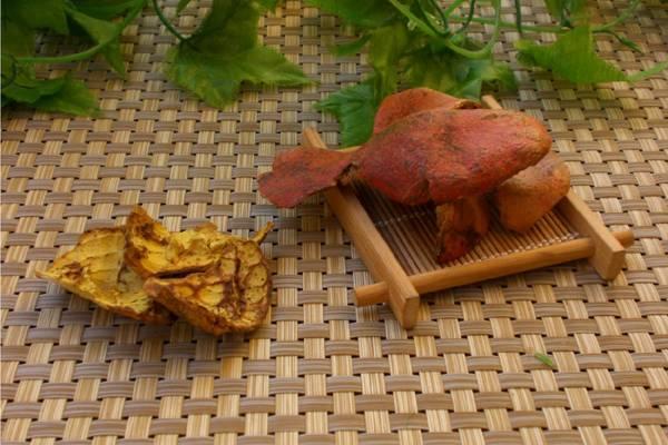 石榴很多人都吃过,然而原来石榴皮具有杀菌功效,而且它还能止泻、止血、驱虫等等,可真是一皮多效啊!