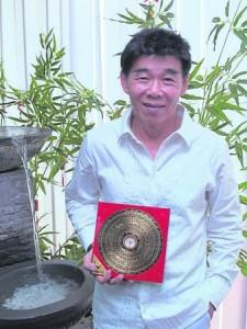 """著名风水师黄绍雄表示,先人葬在""""养尸地"""",会影响后代。"""