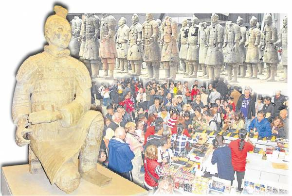 """秦始皇被世人称为暴君,但没想到这个暴君所遗留下的""""杰作"""",如长城及秦陵兵马俑在两千多年后,竟会为中国带来可观的收入。"""