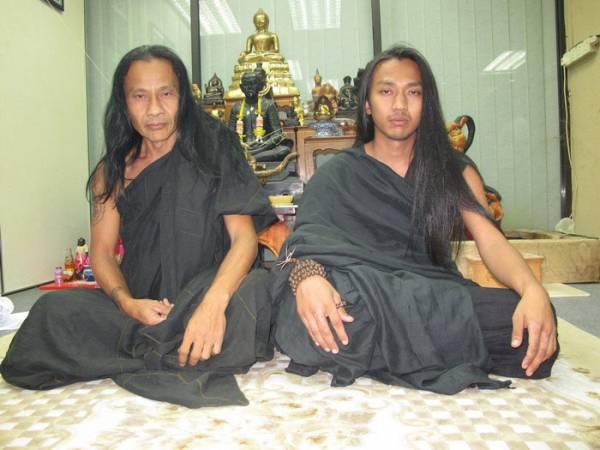 虎父无犬子,阿占姜煞(左)把所学到的独门秘法全传授给儿子阿占Note。
