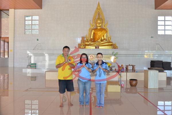 禅修精舍总务林喜铿,副秘书黄翼(纟廉)及理事朱惠芳(左至右)见证了许多神迹,令人不得不信。