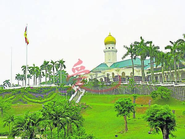神秘又宽阔的阿南莎皇宫吸引人们前往一看。 阿南莎皇宮 地址:Jalan Istana, Kawasan 1, 41000 Klang, Selangor, Malaysia.