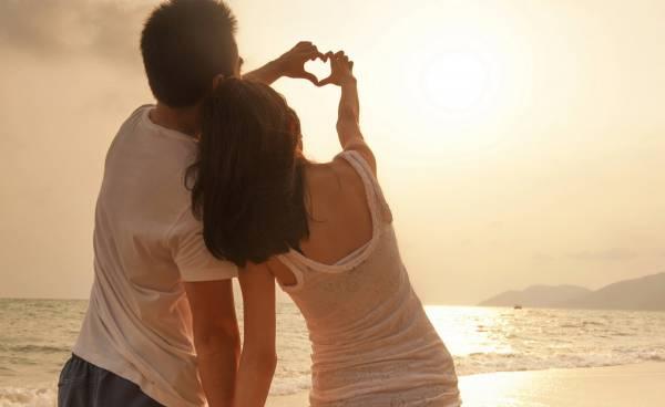 能够成为情侣,除了要靠缘份,还需靠彼此的用心与努力去维系。