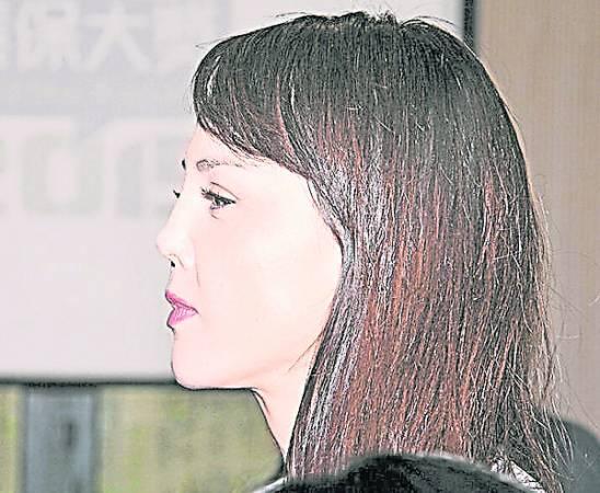 韩君婷整容失败。
