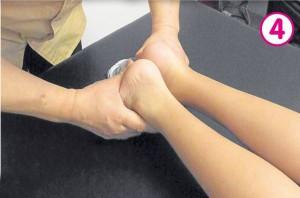 正骨后,陈同学两只脚的长度已明显一致。