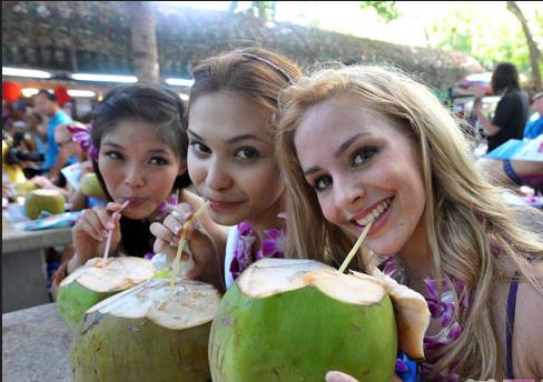 现代人很多都患上痛风症,但原来我国处处可见的椰子就是痛风的救星!