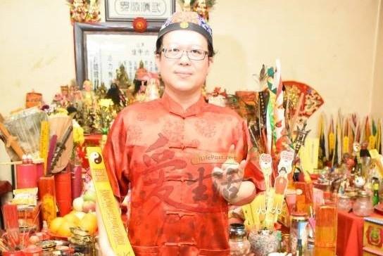 王忠文道长表示,生基乃是活人之生坟、寿坟、生基造运法,因此不适用于已逝世的人。