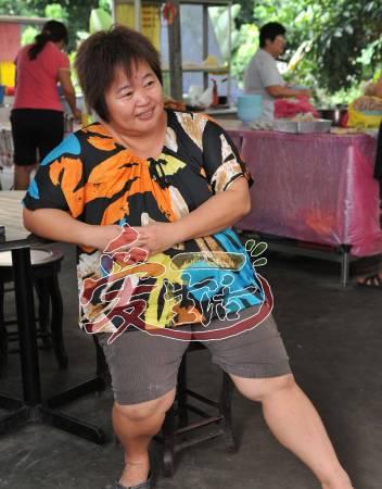 "Ann姐表示""圣水泡脚""疗法,师承一名印尼巫师。"