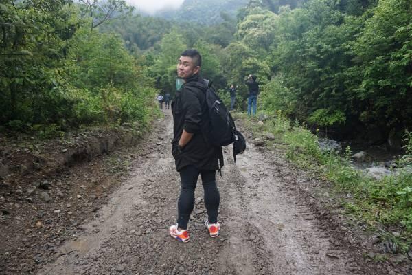 平常甚少行山的记者,在长寿村走了一公里的石泥路仍精神奕奕,实在神奇。
