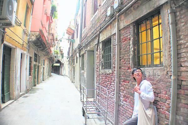 在威尼斯街道随意窜走穿梭,看看转角处有什么惊喜。