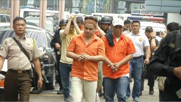"""十九狱王:""""金狱门""""事件被揭发后,19名""""特权""""犯人已被移送至马尼拉的国家调查局总部,他们的""""监狱好日子""""已经到尽头了。"""