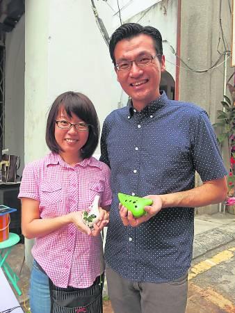 陈俊豪和太太蔡依玲都是陶笛的同道中人。