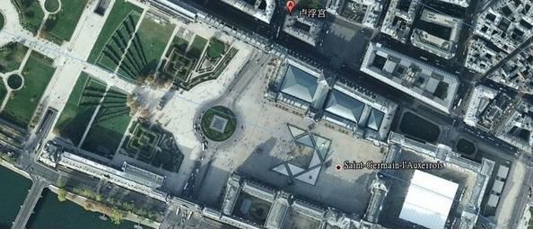 """从天空往下看,整个地形就如一个葫芦,葫芦内还有三宝,谭师傅说一时凯旋门,一是金字塔,最后才是罗浮宫,这个葫芦内的三宝是令法国如虎添翼的""""大风水"""",国运更加兴盛。"""