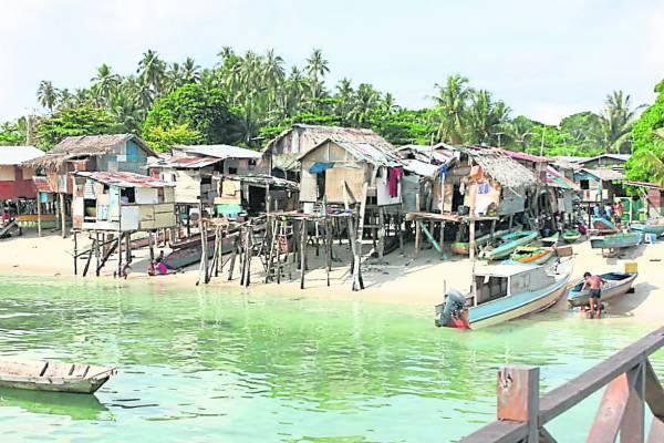 这些屋子就是居住着马布岛原住民。